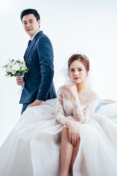 Thu Quỳnh và Tuấn Tú đóng vợ chồng trong phim Những ngày không quên.