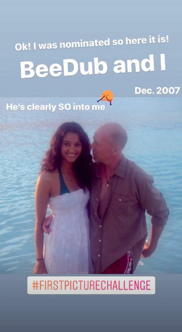 Vợ đăng ảnh tình tứ với Bruce Willis khi anh đang ở cùng vợ cũ - Demi Moore.