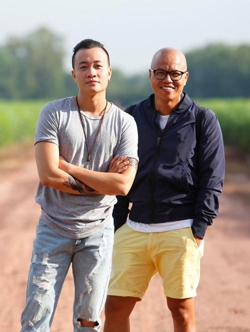 Đạo diễn Vũ Ngọc Đãng (phải) và diễn viên Lương Mạnh Hải.