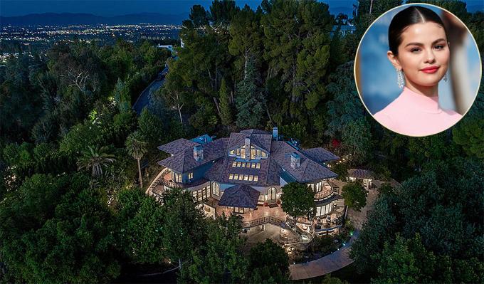 Selena Gomez vừa trở thành cô chủ của biệt thự thơ mộng trên đồi ở khu Encino, quận Los Angeles.