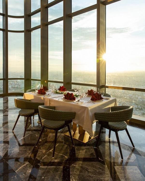 Những căn phòng vô cực giữa tầng mây của Landmark 81 sẽ là không gian lý tưởng để du khách đón những buổi chiều lộng lẫy.