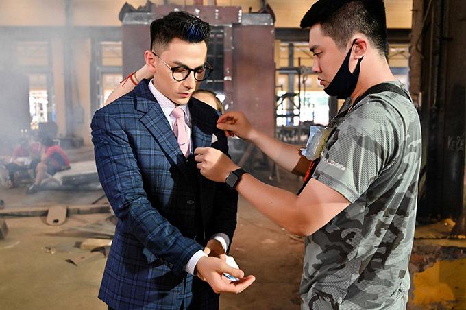 Chàng ca sĩ từng gây ấn tượng với vai Lâm Judo trong phim điện ảnh Anh trai yêu quái. Nhân vật mới của anh là chàng trai có ngoại hình kiểu soái ca Hàn Quốc, hứa hẹn sẽ đốn tim các fan nữ.