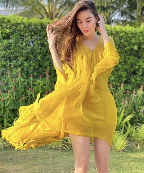 Váy lụa mỏng manh như Hồ Ngọc Hà sẽ giúp các nàng giải phóng hình thể và nhẹ nhàng hơn