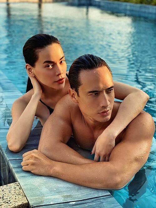 Kim Lý chia sẻ ảnh bên bạn gái Hồ Ngọc Hà ở bể bơi. Nhiều khán giả khen cặp sao quá nóng bỏng và đẹp đôi. Một người bạn của nam diễn viên mong anh giữ an toàn mùa dịch.