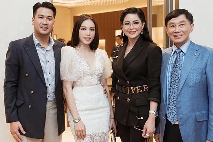Linh Rin gặp gỡ gia đình bạn trai.
