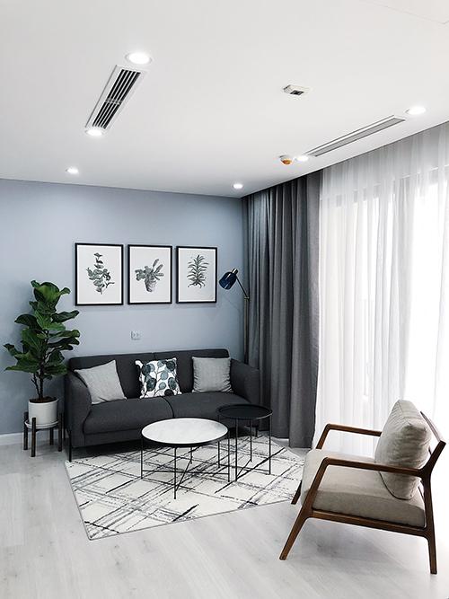 Sau đó, Anh Khoavà mẹ lên ý tưởng, phối hợp cùng công ty 303 Interni để thiết kế, thi công, hoàn thiện không gian sống. Anh cũng thường tham khảo các hình ảnh nhà đẹp trên Pinterest, Instagram để hiểu các phong cách thiết kế.