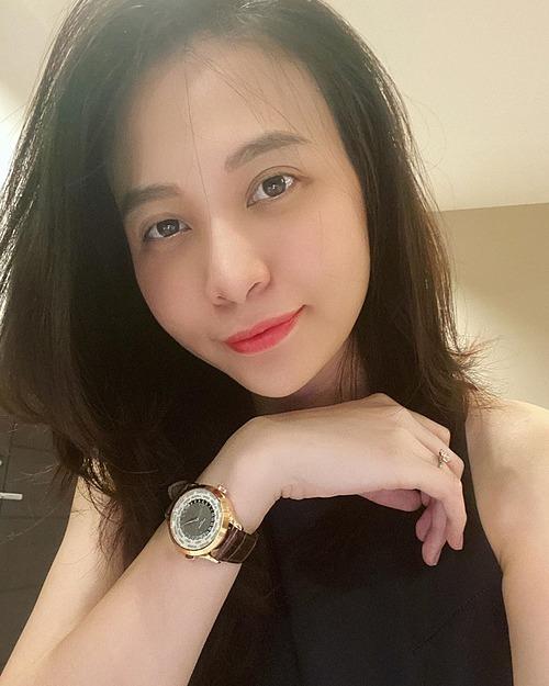 Trốn dịch... khôngcó gì tăng ngoài cân nặng, Đàm Thu Trang than thở.