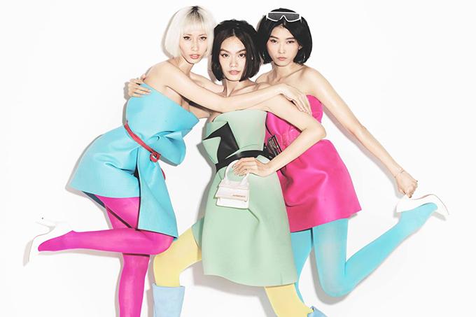 Sau trend dùng gối làm váy, 3 người mẫu Việt cùng đưa ra thử thách biến thảm yoga thành váy sexy.