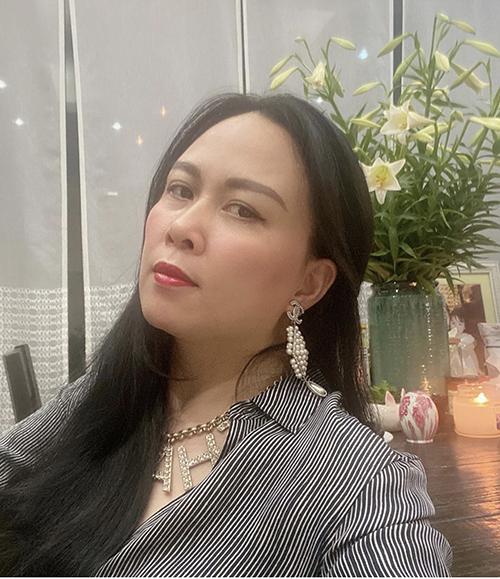 Nhiều nữ doanh nhân hay chọn đá trang sức đá quý để chưng diện. Riêng Phượng Chanel luôn thể hiện sự trung thành tuyệt đối với trang sức ngọc trai của Chanel.