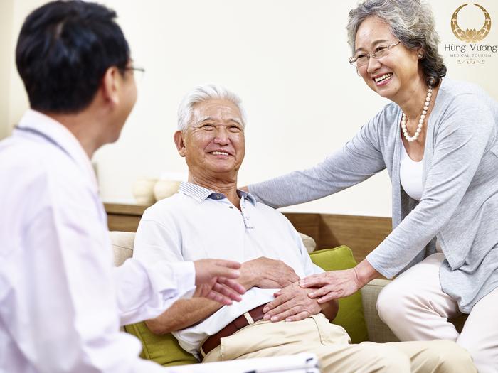 Dịch vụ khám sức khỏe tại nhà có nhiều ưu điểm, tránh nguy cơ lây nhiễm chéo mùa Covid-19.