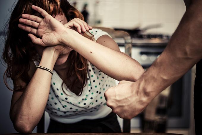Bạo hành gia đình gia tăng trong thời gian cách ly xã hội. Ảnh: Newsletter.