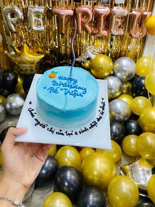Các fans làm bánh kem tặng Minh Triệu. Sau chương trình Cuộc đua kỳ thú 2019, Kỳ Duyên - Minh Triệu nhận được nhiều tình cảm của khán giả.