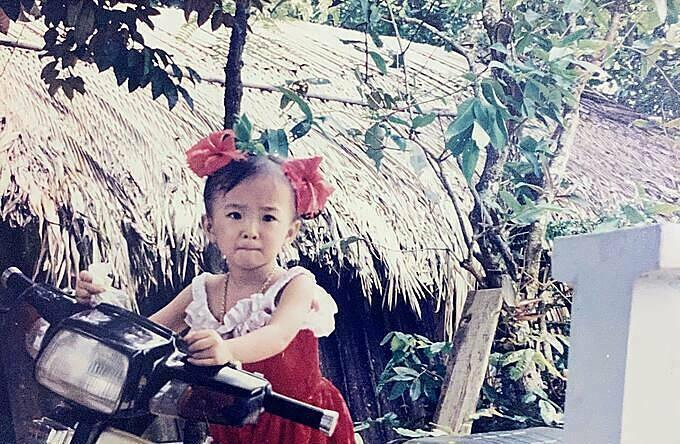 Angela Phương Trinh lúc nhỏ.