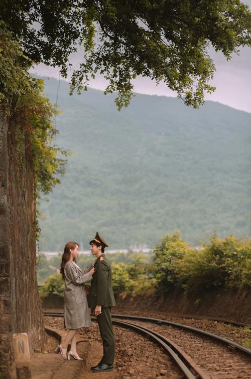Trang phục của uyên ương được lấy ý tưởng từ nguyên bản cặp tình nhânSon Ye Jin và Hyun Bin trong phim.
