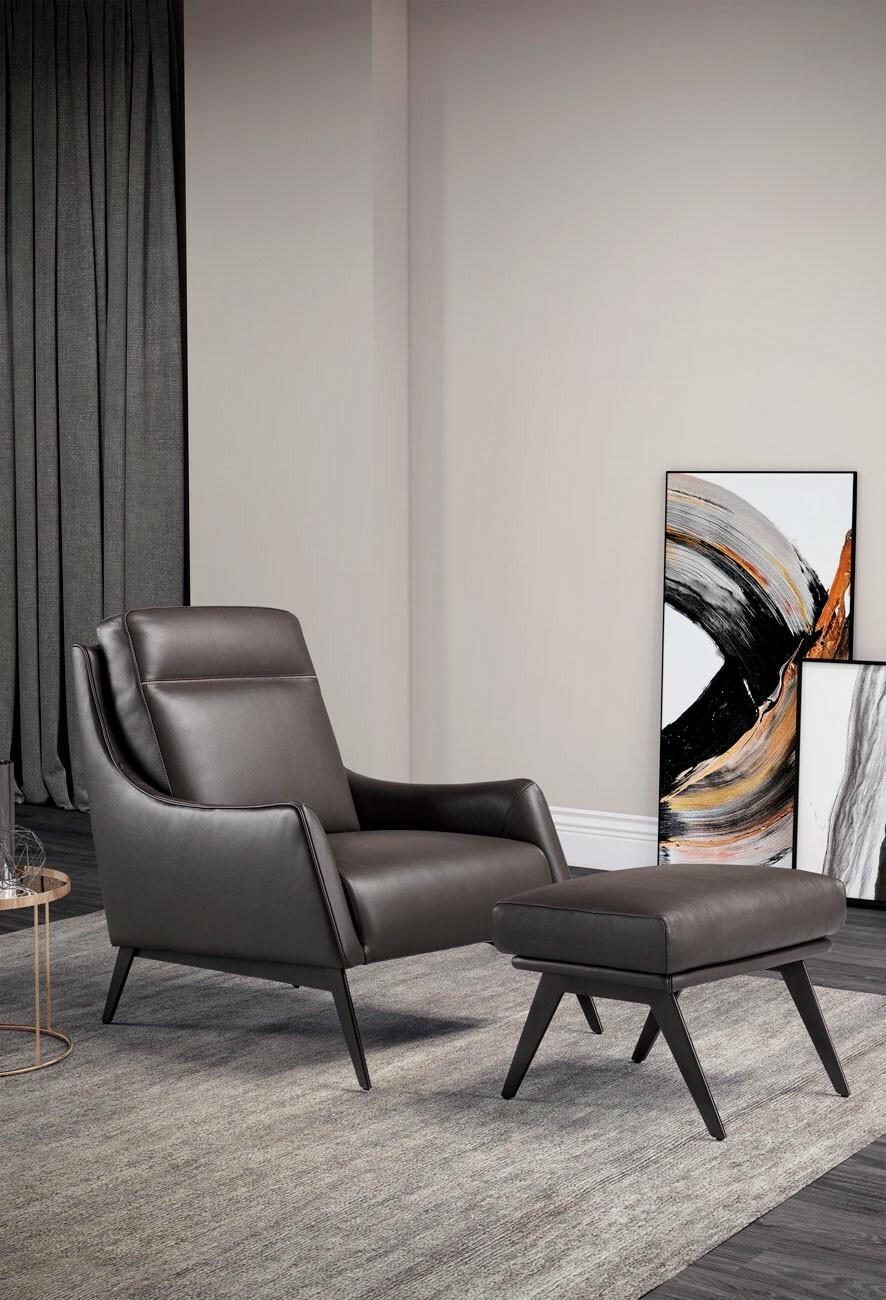 Không cứng nhắc theo cách quy tắc góc cạnh của các sản phẩm nội thất, Alicudi đến từ thương hiệu Franco Ferri đáp ứng nhu cầu về sự thoải mái. Được trang bị thêm đệm lớn ở lưng tựa, chiếc ghế không chỉ là nơi thư giãn tuyệt vời trong ngôi nhà mà còn là điểm nhấn cho không gian thêm tinh tế.