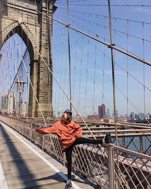 [Caption]Brooklyn Bridge 18