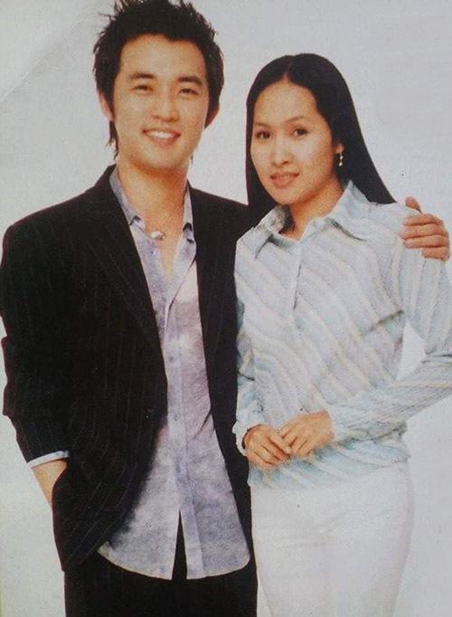 Năm 2003 Minh Thư nổi đình đám với vai diễn trong phim Gái nhảy của đạo diễn Lê Hoàng. Nhờ vậy, cô có dịp gặp gỡ, chụp ảnh cùng ngôi sao xứ kim chi Ahn Jae Wook.