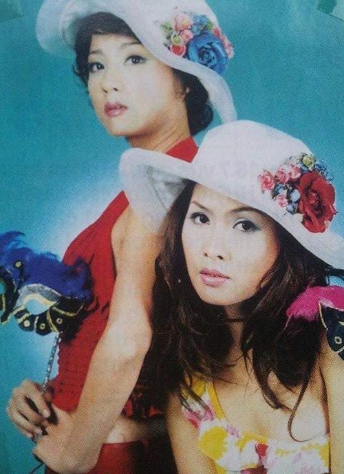 Nữ diễn viên đua sắc cùng bạn diễn Mỹ Duyên khi làm mẫu ảnh.