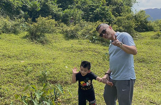 Bé Nu là trái ngọt thứ hai trong cuộc hôn nhân của Jennifer Phạm và doanh nhân Đức Hải. Cậu nhóc năm nay hơn ba tuổi, tên thật là Nguyễn Đức Minh Trung.