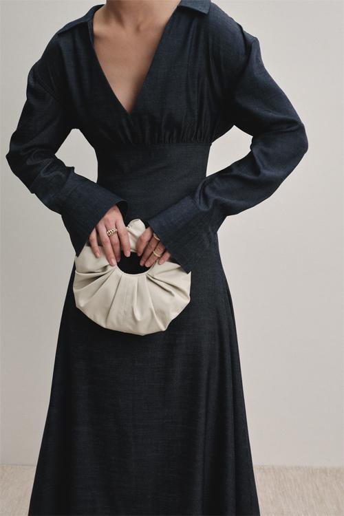 Những mẫu túi xách với kiểu dáng độc đáo cũng là điểm nhấn không thể thiếu trong các bộ sưu tập của Lâm Gia Khang.