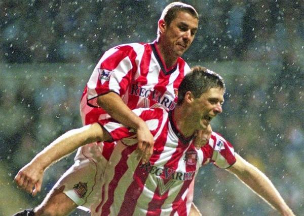 Kevin Phillips và Niall Quinn - bộ đôi sát thủ một thời của Sunderland. Ảnh: Sunderland Echo.