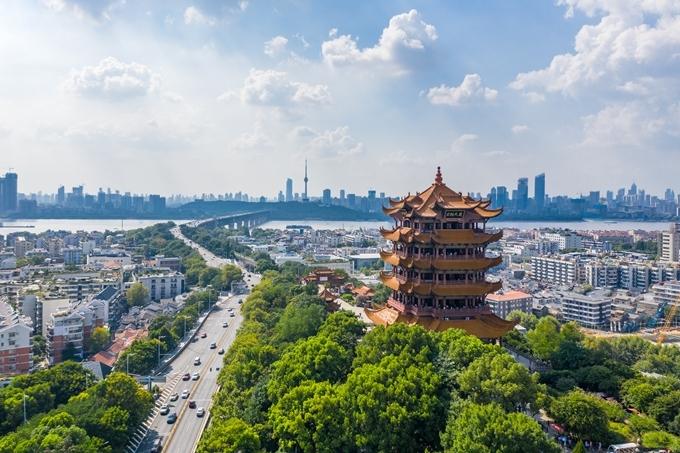Tháp Cẩu Vàng - biểu tượng du lịch của thành phố Vũ Hán. Ảnh Shutterstock
