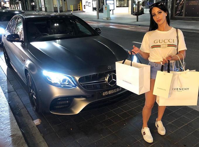 Margarita được đặt biệt danh bà mẹ Mercedes sau khi ngồi tù bốn tháng vì liên quan đến một cuộc rượt đuổi tốc độ cao vớicảnh sát trong khi con gái ba tuổi của cô ngồi phía sau mà không cài dây bảo hiểm. Kể từ đó, cuộc sống xa hoa của cô được công chúng quan tâm, giúp cô đạt gần 70.000 lượt theo dõi trên Instagram.