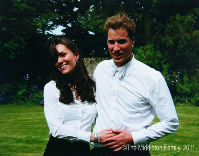 Hoàng tử William và bạn gái Kate Middleton khi còn là sinh viên đại học. Ảnh: PA.