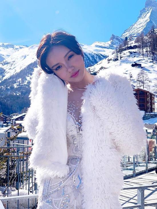 Kim Lim, con gái tỷ phú SingaporePeter Lim trong chuyến du lịch Thụy Sĩ. Ảnh: Instagram.