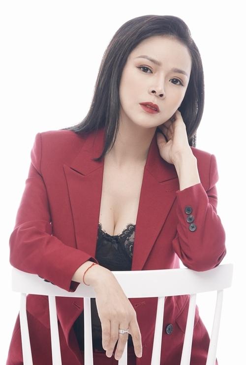 Nhan sắc ngoài đời của Diễm Hương.