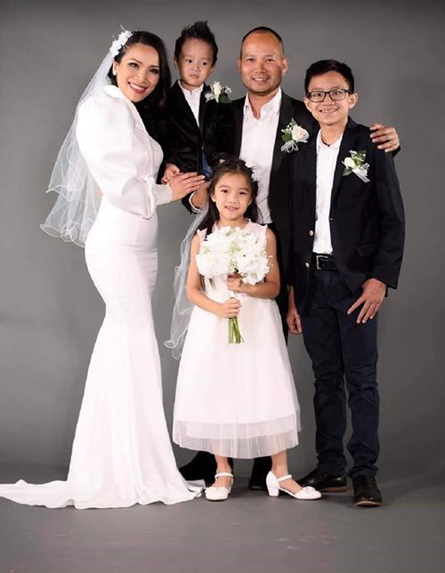 Gia đình Hồng Ngọc ở Mỹ.