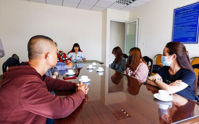 5 thanh niên bị triệu tập lên Sở Thông tin và Truyền thông Lâm Đồng và bị xử phạt hành chính vì tung tin gây hoang mang.