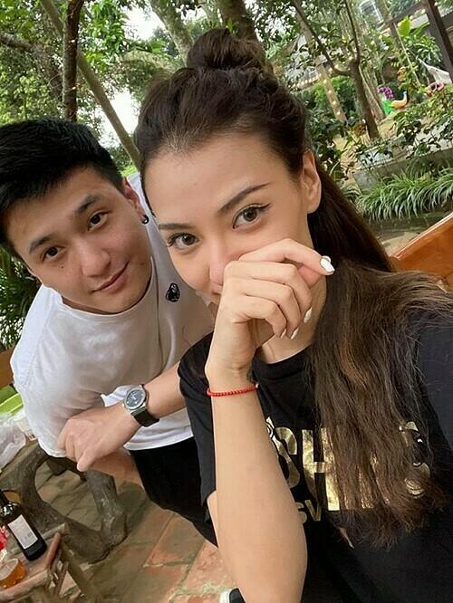 Hồng Quế bên bạn trai Huỳnh Anh.