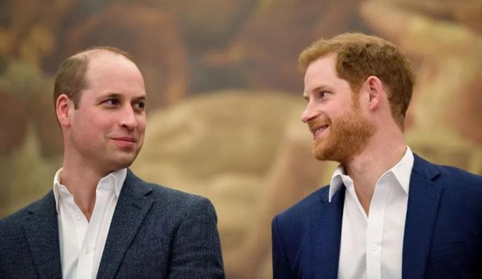 Hai hoàng tử Anh được cho là đang dần xích lại và bớt căng thẳng hơn sau khi Harry chuyển đến Mỹ sống. Ảnh: AFP.