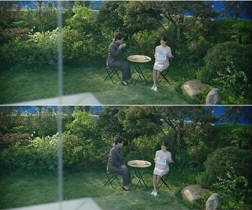 Nhờ mái tóc mới tạo cảm giác đứng đắn, bà Kim được bà Park nhận làm giúp việc sau một hồi đắn đo suy nghĩ. Cảnh trò chuyện của hai nhân vật được giữa trong phim, nhưng chi tiết về mái tóc không được nhắc tới.