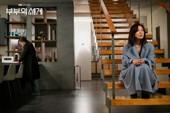 Tập 15 của Thế giới hôn nhân, Sun Woo lật tẩy bộ mặt thật của Tae Oh với Da Kyung.