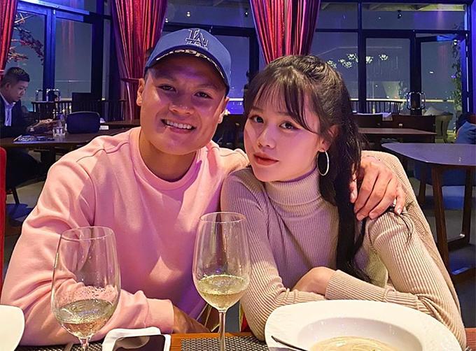 Quang Hải và bạn gái mới Huỳnh Anh. Ảnh: QH.