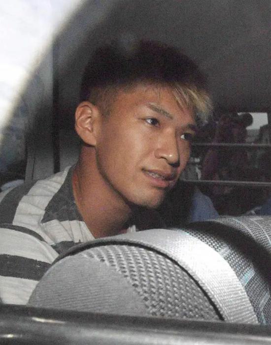 Satoshi Uematsu tươi cười khi bị bắt hồi tháng 7/2016 sau khi giết 19 người ở trung tâm chăm sóc, S