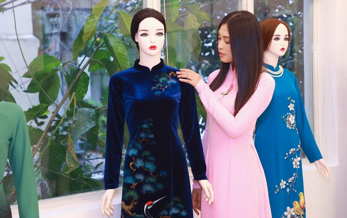 NTK, họa sĩ Trung Đinh cho biết áo dài là quốc hồn, quốc túy của người Việt. Nhằm truyền cảm hứng và kiến thứcvề giá trị văn hóa,mỹ thuật của áo dài,Trung Đinh phối hợpkênh truyền hình Netviet (VTC10) tổ chức sự kiện Áo dài Việt - Hội tụ và lan tỏa vào 17hngày 16/5 tạiquận 3, TPHCM (số 24/5 Phạm Ngọc Thạch, phường 6).