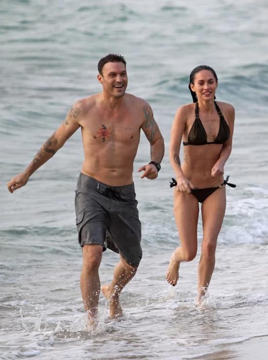 Hơn một năm sau, cô đào gợi cảm tái hợp Brian Austin Green. Họ đính hôn lại và kết hôn chỉ hai tuần sau đó. Lễ cưới được tổ chức giản dị tại đảo Hawaii vào tháng 6/2010.