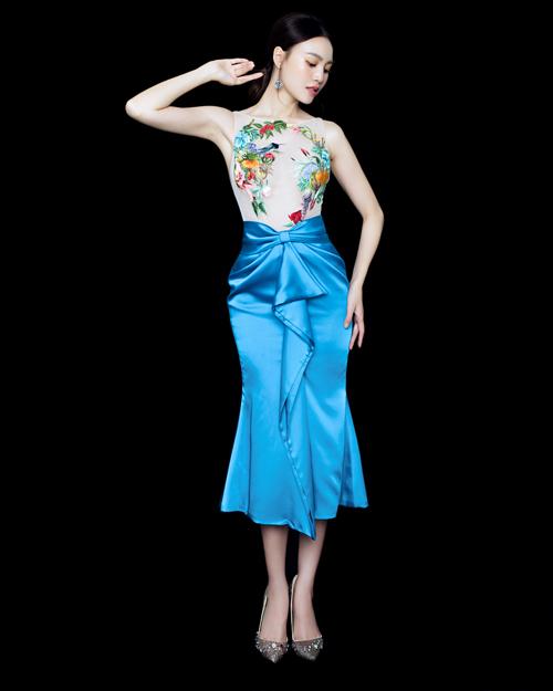 Người mẫu của bộ sưu tập vẫn là Ninh Dương Lan Ngọc, ngôi sao đang thu hút sự quan tâm trên truyền thông lẫn mạng xã hội hiện nay.