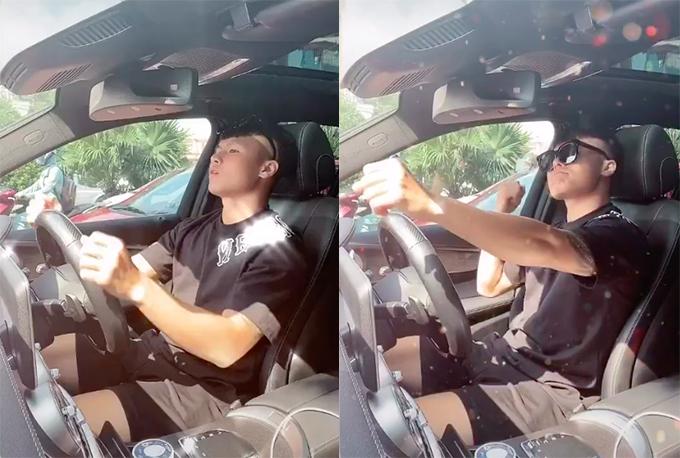 Quang Hải cầm lái xế hộp Mercedes mới mua.