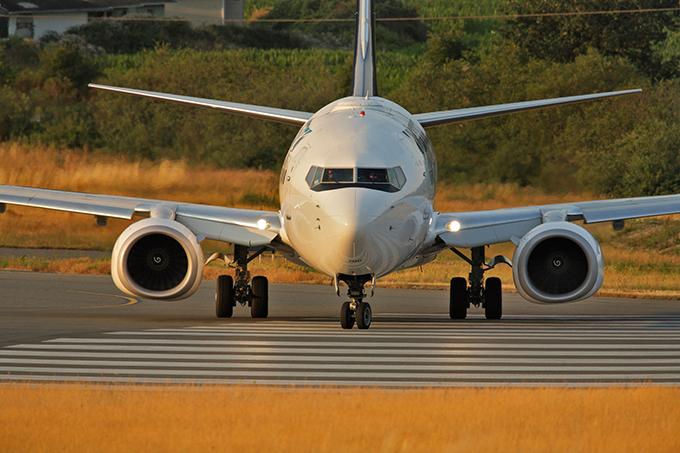 Máy bay của ông chủ CLB Chelsea có thể chở được 30 khách, được trang bị hệ thống chống tên lửa đạn đạo như chiếcAir Force One - chuyên cơ của Tổng thống Mỹ.