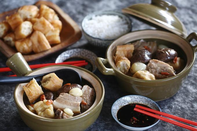 Món trà xương lợn vượt mặtchilli crab ởSingapore