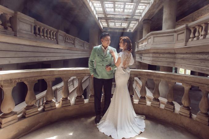 Thanh Thúy diện soiree kiểu đuôi cá khoe dáng gợi cảm ở tuổi ngoài 30. Cô và đạo diễn Đức Thịnh kỷ niệm 12 năm ngày cưới hôm 19/5.