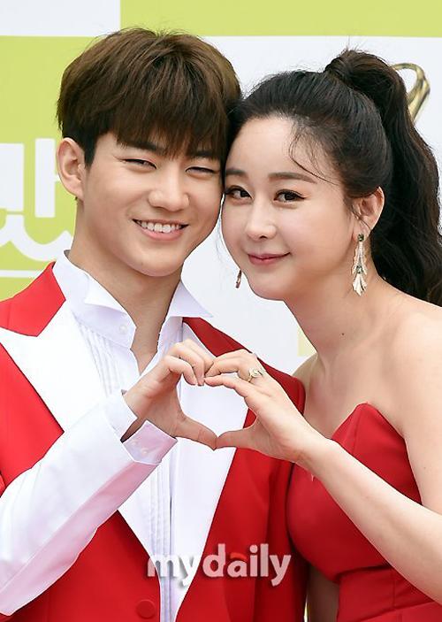 Ham So Won và người chồng Trung Quốc kém 18 tuổi trông rất đẹp đôi, bất chấp chênh lệch tuổi tác.