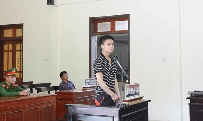 Bị cáo Mạnh tại tòa. Ảnh: Hùng Lê