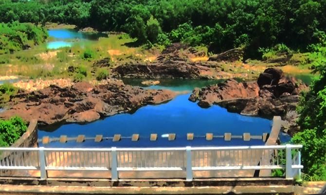 Vũng nước, nơi hai học sinh đuối nước. Ảnh:Sơn Thủy.