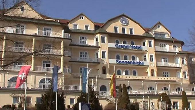 Khách sạn Grand Sonnebichl ở Đức, nơi Vua Rama X được cho là đang ở cùng 20 thê thiếp giữa Covid-19. Ảnh: Newsflash.