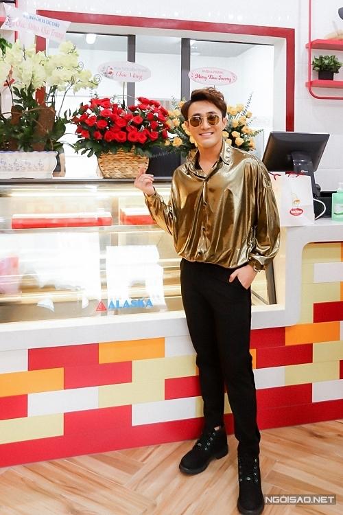 Diễn viên Huỳnh Lập xuất hiện với ngoại hình bảnh bao.